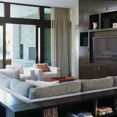Malibu Home:  Media room by Lewis & Co