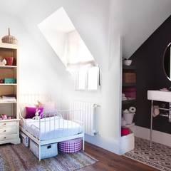 Foto: Patricia Gallego para Mí Casa. HEARST magazines I España.Reforma vivienda Chic and Cheap. : Dormitorios infantiles de estilo  de decoraCCion