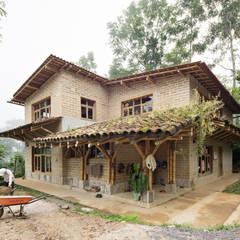 Montessori_Imagen 1: Escuelas de estilo  por Komoni Arquitectos