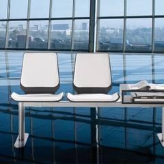 DESPACHOS Y OFICINAS: Aeropuertos de estilo  de Muebles Flores Torreblanca