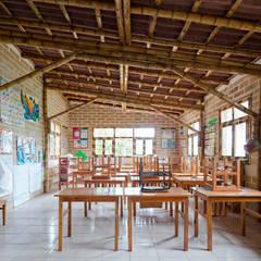 Montessori_Imagen 5: Escuelas de estilo  por Komoni Arquitectos