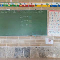 Montessori_Imagen 8: Escuelas de estilo  por Komoni Arquitectos