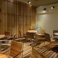 Bun Café - 外部・喫煙席: MoMo. Co., Ltd.が手掛けたレストランです。