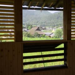 三田の農家-ANNEX/GAZEBO: eu建築設計が手掛けた窓です。,カントリー