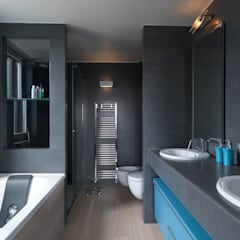 Recupero Sottotetto - Duplex 2: Bagno in stile  di enzoferrara architetti