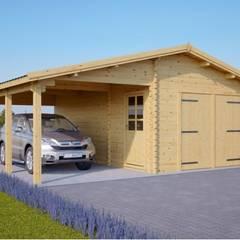 Holzgarage 400 x 600 44 mm + Carport 300 x 600, 40 m²: skandinavische Garage & Schuppen von Pineca Group