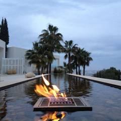สระว่ายน้ำ โดย Fincas Cassiopea Group / FCG Architects ,
