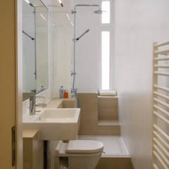 Baños de estilo  por Nickel Architekten, Moderno