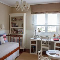 Habitación Juvenil cerca del mar.: Dormitorios infantiles de estilo  de Dec&You