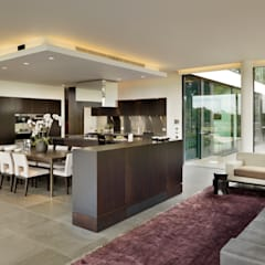 Berkshire: modern Dining room by Gregory Phillips Architects