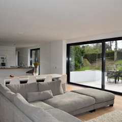 Essex:  Living room by Gregory Phillips Architects