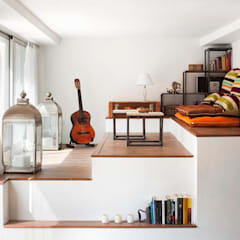 VIVIENDA OLIANA: Salones de estilo  de The Room Studio
