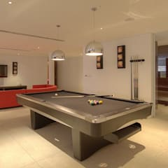 Villa 9:  Living room by Alissa Ugolini - homify UK