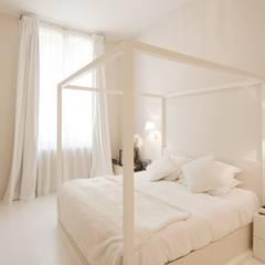 Appartement Luxembourg. Chambre: Chambre de style  par FELD Architecture