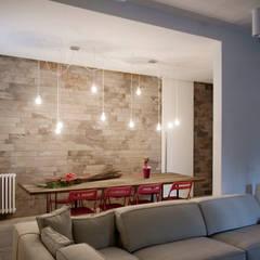 casa MS_SM: Sala da pranzo in stile  di msplus architettura