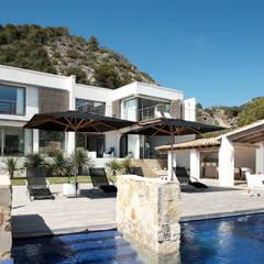 Casa en Andratx: Casas de estilo  de Octavio Mestre Arquitectos