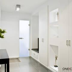 TANZ AUS DER REIHE:  Flur & Diele von ONE!CONTACT - Planungsbüro GmbH