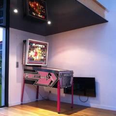 Media room by Allegre + Bonandrini architectes DPLG, Industrial