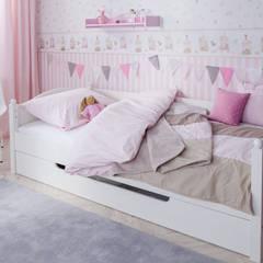 Nursery/kid's room by kinder räume ag,