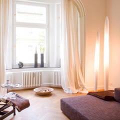 Wohnzimmer:  Wohnzimmer von Luna Homestaging,Modern