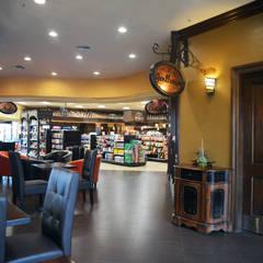 Bella MarketPlace Camarillo CA 2013: Espacios comerciales de estilo  por Erika Winters® Design