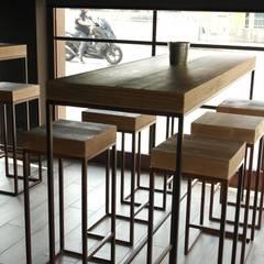 SCUDERLANDO 121 wine bar restaurant: Sedi per eventi in stile  di CARLO CHIAPPANI  interior designer