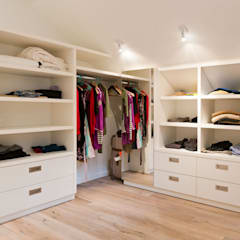 Dressing room by Ardesia Design