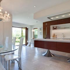 Property Renovation Marlow:  Kitchen by Stunning Spaces Ltd