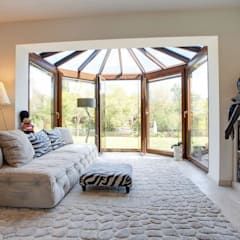 Property Renovation Marlow:  Living room by Stunning Spaces Ltd