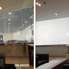 Rolls Royce showroom en Dubai: Concesionarios de estilo  de Vidrios de privacidad