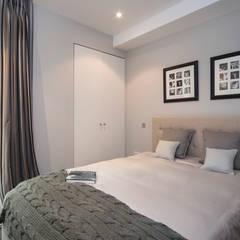 Guest Bedroom:  Bedroom by STUDIO[01] LTD, Modern