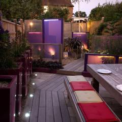 Party garden in Sevenoaks, Kent:  Garden by Earth Designs