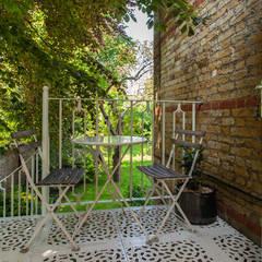 AG175_TwickenhamApartment:  Terrace by Morgan Harris Architects Ltd