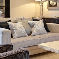 Design in Oxshott Casas modernas: Ideas, imágenes y decoración de Designer Touches Ltd Moderno
