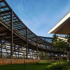 Arena Pantanal Estádios modernos por GCP Arquitetura & Urbanismo Moderno