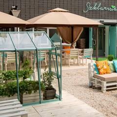 Restauracja Szklarnia: styl , w kategorii Gastronomia zaprojektowany przez GREENERIA