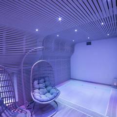Zen Wellness: Spa in stile  di Effkey by Francesco Maglie & Ing Luigi Verardi