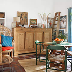 Dining room by Casa Josephine,
