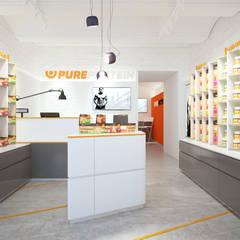 Магазин спортивного питания Pure Protein: Офисы и магазины в . Автор – KYD BURO,