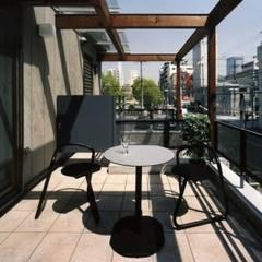 OD house: H.Maekawa Architect & Associatesが手掛けたテラス・ベランダです。,インダストリアル