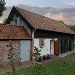 Przebudowa stodoły : styl , w kategorii Domy zaprojektowany przez AA s.c. Anatol Kuczyński Anna Kuczyńska