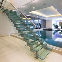 ระเบียงและโถงทางเดิน by Celia Sawyer Luxury Interiors