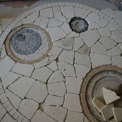Décor de sol: Locaux commerciaux & Magasins de style  par CREDEMO (CREation DEcoration MOsaique