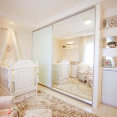 Nursery/kid's room by VITRAL arquitetura . interiores . iluminação,
