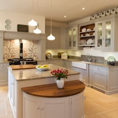 classic Kitchen by Baker & Baker
