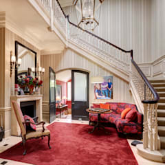 Classical Entrance Hall:  Corridor & hallway by White Linen Interiors Ltd, Classic