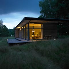 Prefabricated home by SOMMERHAUS PIU, Scandinavian لکڑی Wood effect