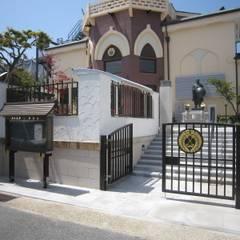 正門廻りその1: プライム建築設計が手掛けた会議・展示施設です。