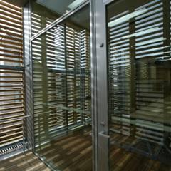 2Fテラス: Yoshiharu Shimazaki Architect Studio,INCが手掛けた学校です。