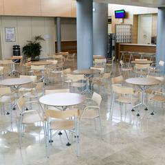 MESA CAPICÚA: Aeropuertos de estilo  de EXIT SEATING BARCELONA